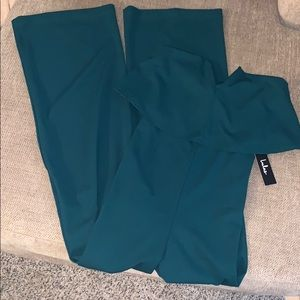 Jumpsuit emerald green.